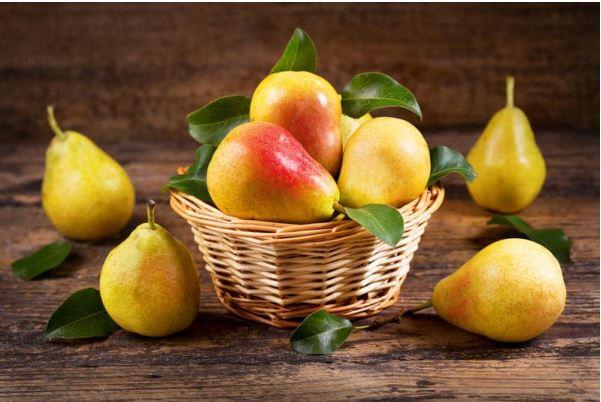 الفاكهة التى ينصح بها فى رمضان : الكمثرى والبرتقال