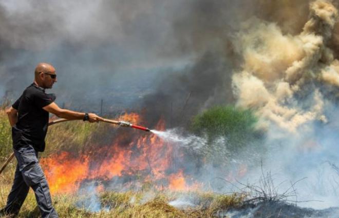 أسرائيل تصادر ملايين البالونات كانت في طريقها لقطاع غزة