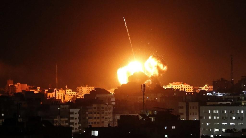 سلاح الجو الاسرائيلي يستهدف عدة مواقع بقطاع غزة