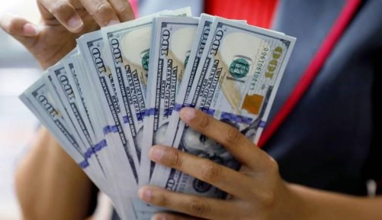 تراجع سعر الدولار بعد صرف المساعدات بغزة