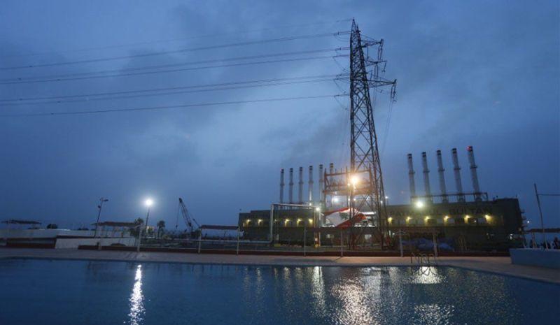 اسرائيل تسمح بدخول الوقود لشركة الكهرباء و توسع مساحة الصيد
