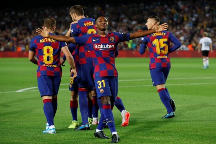 برشلونة يضرب فالنسيا بخماسية مع الرفه