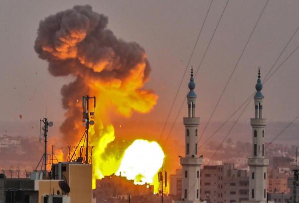 اليوم الثاني من التصعيد 22 شهيد جراء القصف علي غزة
