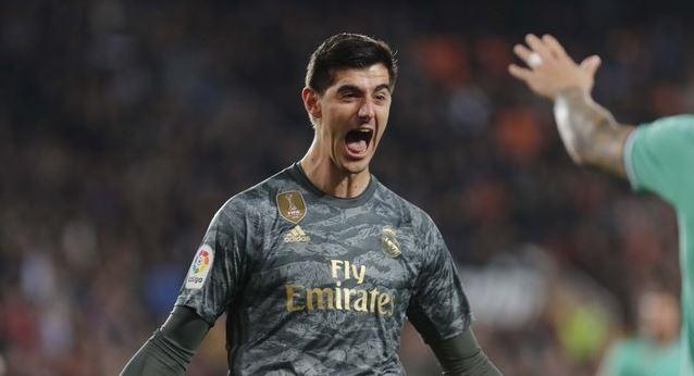 بنزيما ينقذ ريال مدريد امام فالنسيا يمنح الريال تعادل بطعم الانتصار
