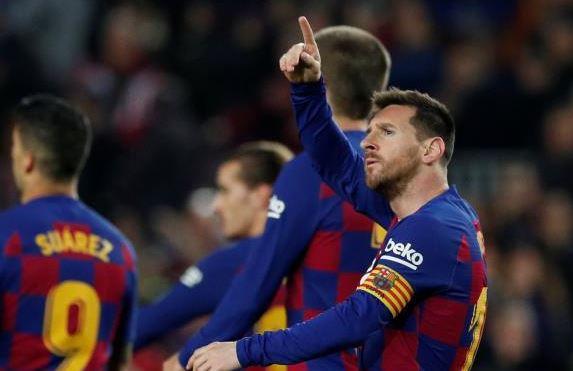 برشلونة يتقاسم الصدارة مع ريال مدريد بعد الفوز علي مايوركا