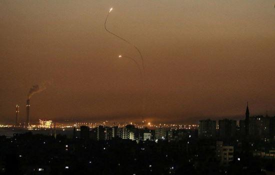 إطلاق  قذيفتي صاروخية من قطاع غزة