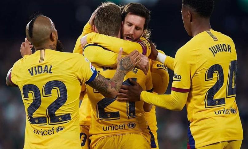 برشلونة يحقق الفوز علي بيتيس ويواصل مطاردة ريال مدريد على صدارة الليجا