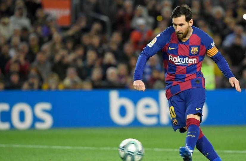 ميسي يقود برشلونة الى صدارة اللاليجا مؤقتاً بفوز على سوسيداد