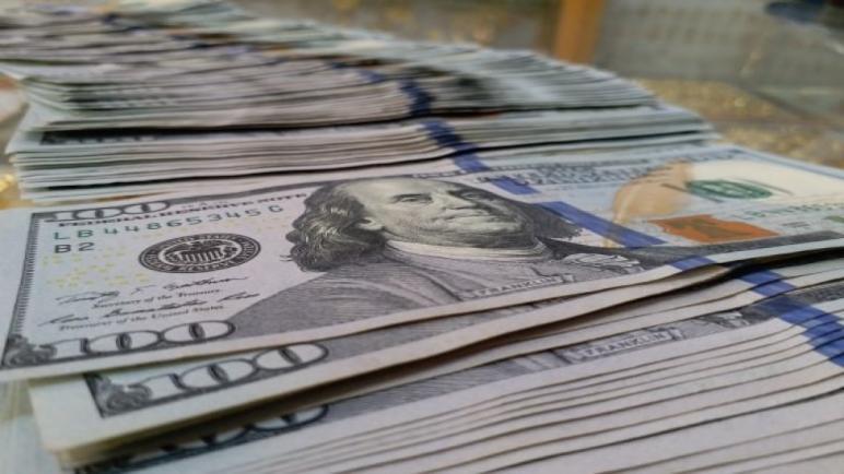 سعر صرف الدولار يشهد تحسنا اليوم