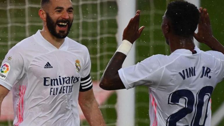 ريال مدريد يحقق الفوز علي ايبار و يقلص الفارق مع اتلتيكو