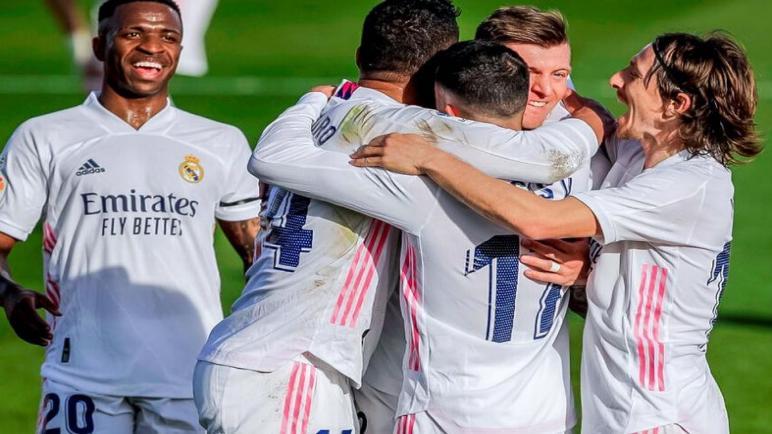 ريال مدريد يهزم فالنسيا ويقلص الفارق مع اتلتيكو