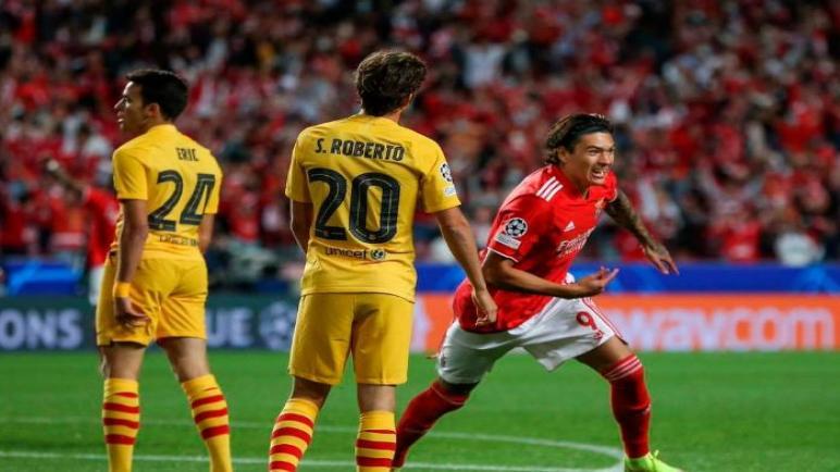 بنفيكا يهزم برشلونة بثلاثية في دوري أبطال أوروبا