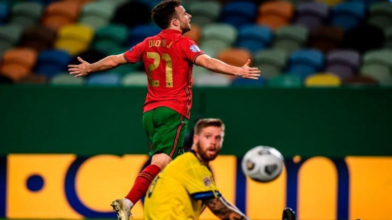 البرتغال تسقط السويد بثلاثية