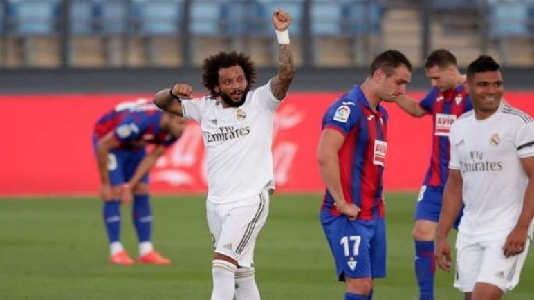 ريال مدريد يتفوق علي ايبار ويلحق برشلونة
