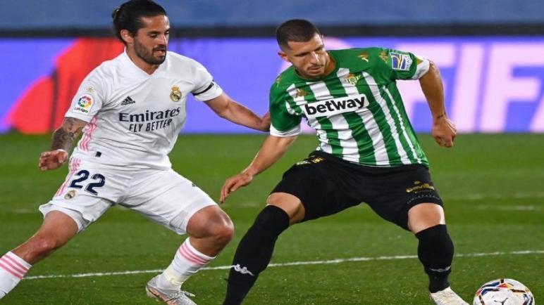 ريال بيتيس يتعادل مع الريال و يبعده عن لقب الليغا