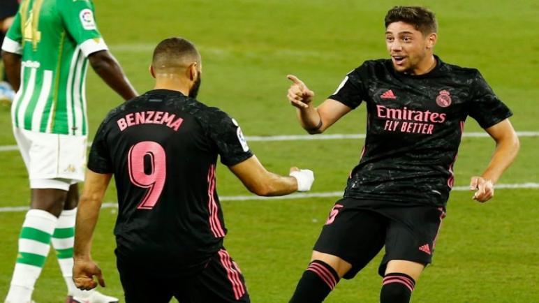 ريال مدريد يسقط بيتيس على ملعبه بثلاثية