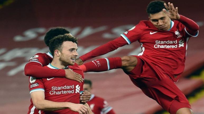 ليفربول يهزم ليستر سيتي ويستعيد صدارة الدوري الانجليزي مناصفة مع توتنهام