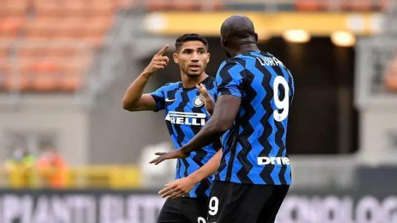 الانتر يقلب اللقاء ويحقق الفوز علي ميلان ويطيح به خارج كأس ايطاليا