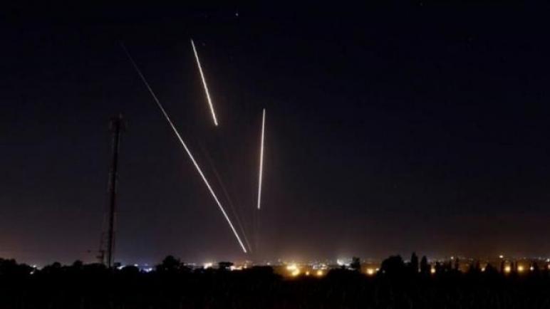 إطلاق صاروخين نحو مستوطنات الغلاف و القبة الحديدية اعترضت أحدهما