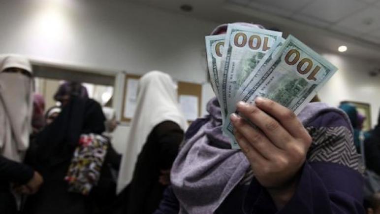 ادخال الاموال القطرية عبر معبر بيت حانون
