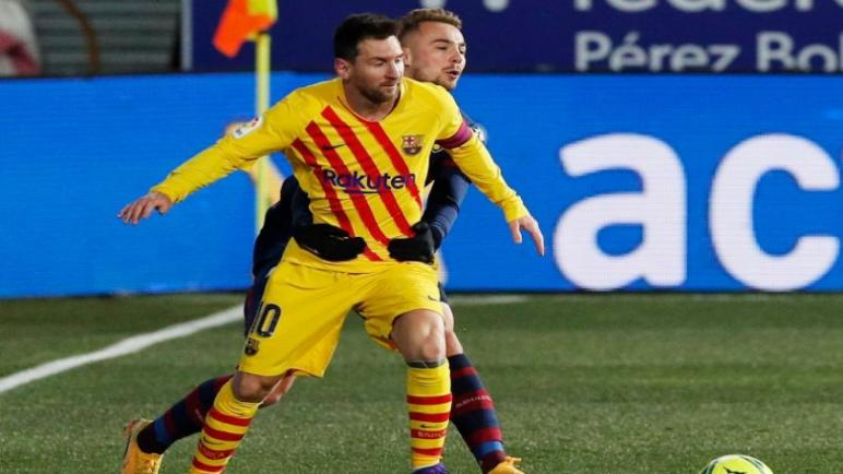 برشلونة يهزم هويسكا بصعوبة ويتقدم للمركز الخامس في ترتيب الليجا