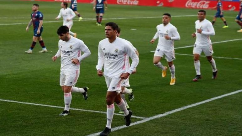 ريال مدريد يتغلب علي هويسكا بصعوبة